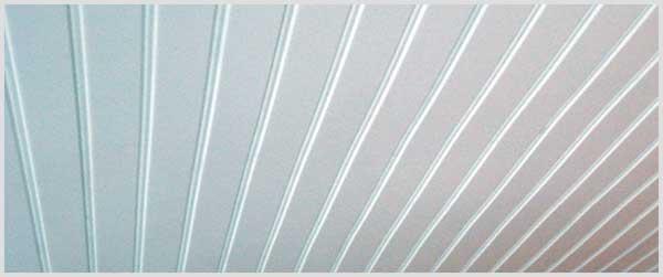 Saiba como limpar forro e teto de PVC.