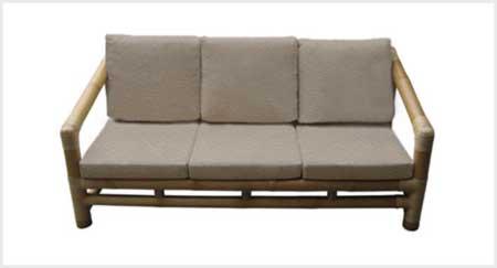 Sofá de bambu.