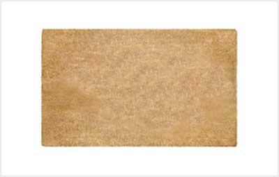 Saiba como limpar um tapete capacho facilmente.
