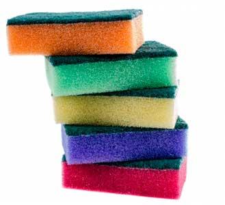Aprenda a limpar uma esponja de cozinha.