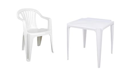 Cadeira e mesa branca de jardim de polipropileno.