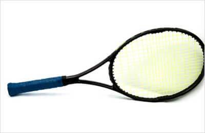 Como limpar uma raquete de tênis.